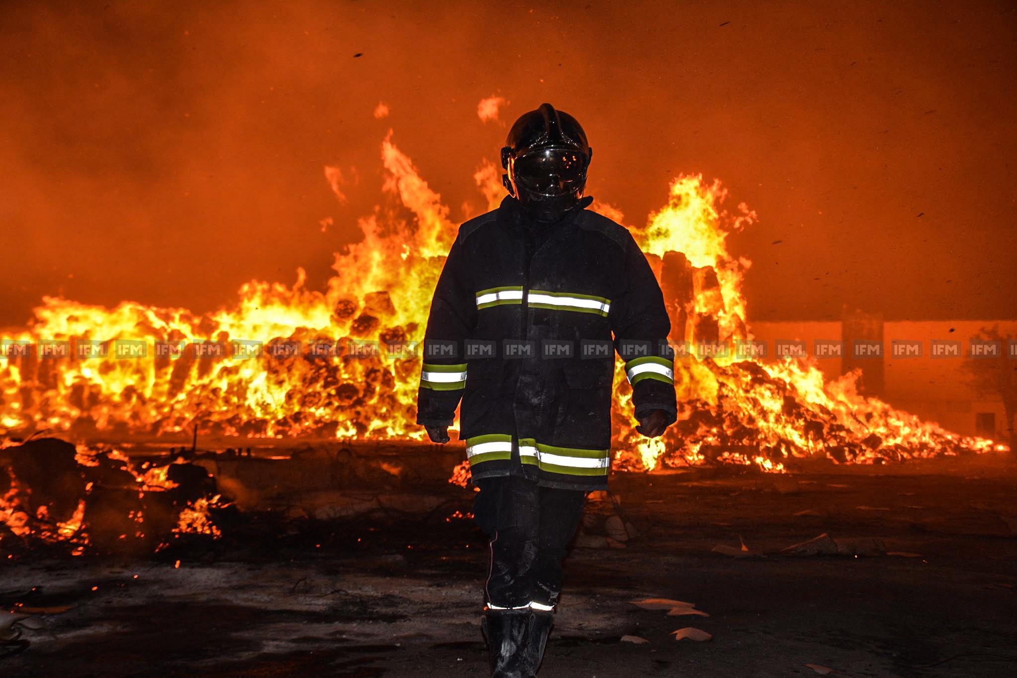 النفيضة : أعوان الحماية المدنية في مواجهة النار