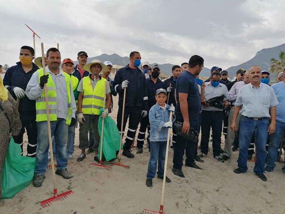 حملة نظافة لكورنيش حمام الانف بمشاركة وزير الشؤون المحلية وعدد من رؤساء البلديات وممثلي المجتمع المدني