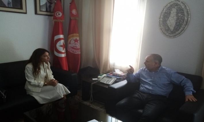 أمين عام الاتحاد العام التونسي للشغل يستقبل زوجة نبيل القروي