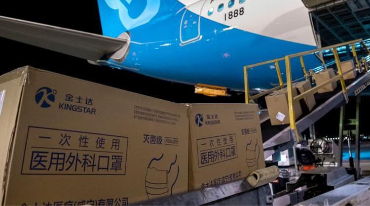 Les Américains rachètent les masques trois fois le prix en Chine