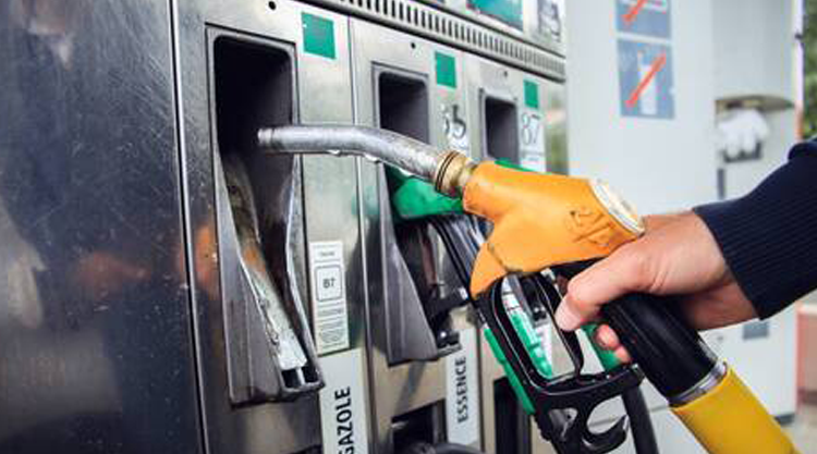 Les prix des carburants pourraient être revus à la baisse