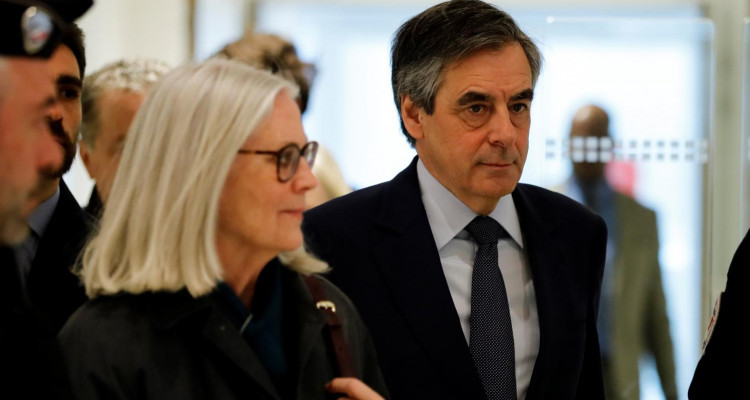 François Fillon jugé coupable et condamné à cinq ans de prison