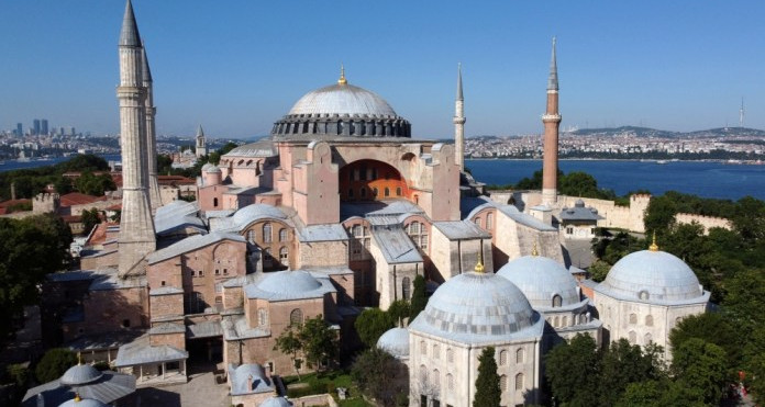 Turquie : La reconversion de Sainte-Sophie en mosquée