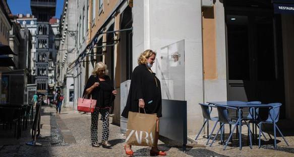 Lisbonne se reconfine face au retour de l'épidémie de coronavirus