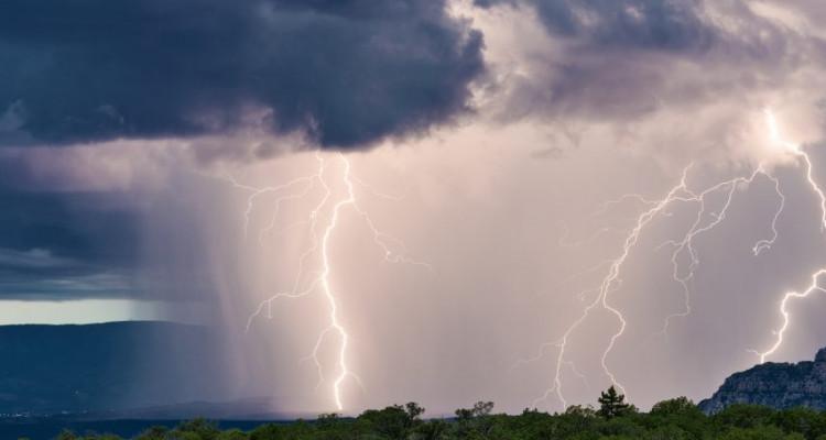 Attention : Pluies orageuses accompagnées de grêle