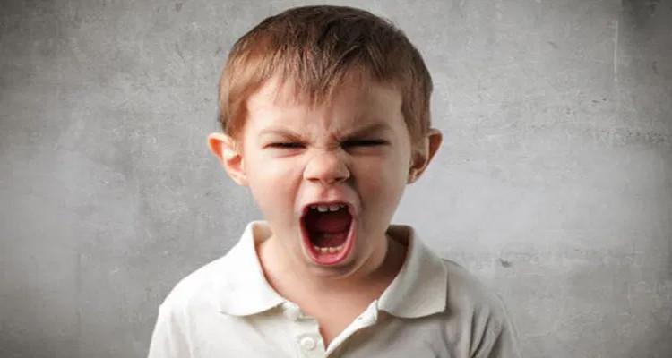 أولياء يؤكدون : أبناؤنا  يستخدمون عبارات وألفاظ عنف تضمنتها حوارات سياسية