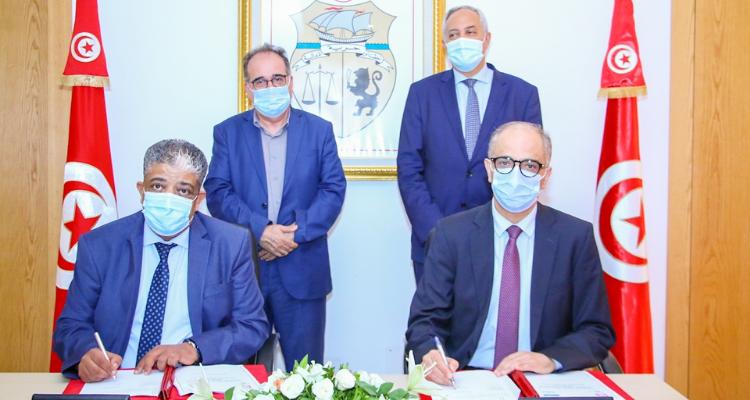 توقيع اتفاقية شراكة بين البريد والكنام لتوزيع بطاقات ''لاباس'' و''آمان''