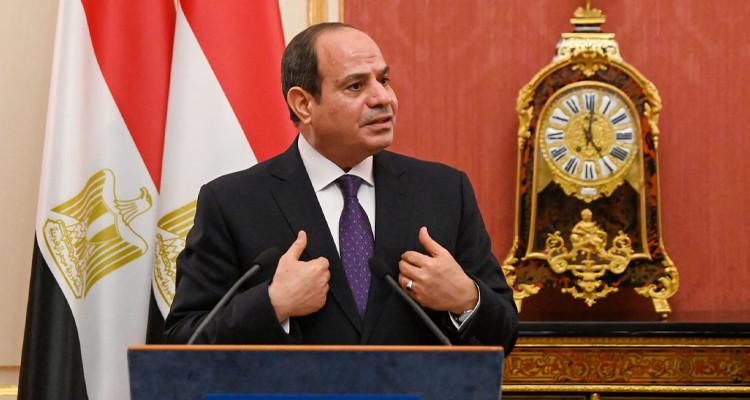 السيسي: جهود التنمية  التي تبذلها الحكومة في مصر  بـ''دعم إلهي''