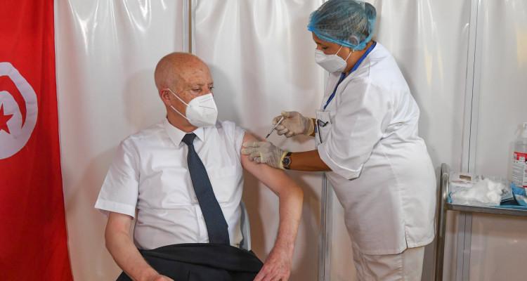 Walid Hajjam revient sur la vaccination de Kais Saied