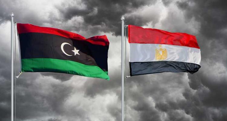 La Libye confie la maintenance des routes à des entreprises égyptiennes
