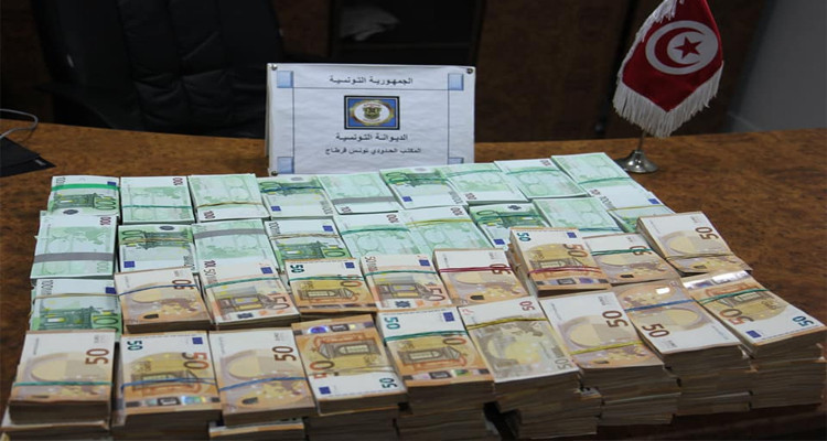 Près de 5 millions de dinars saisis à l'aéroport