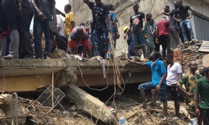 Effondrement d'un bâtiment contenant une école à Lagos