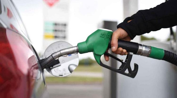 Les membres du gouvernement ne recevront plus des bons d'essence