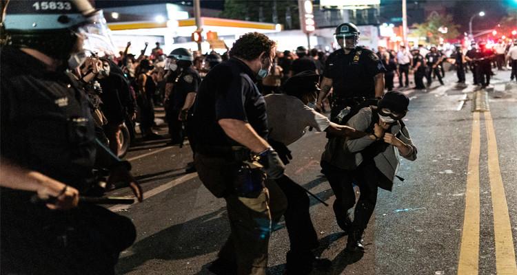 اعتقالات في أمريكا
