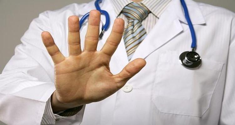 بند قانوني جديد لردع الإعتداءات على الطواقم الطبية في الجزائر