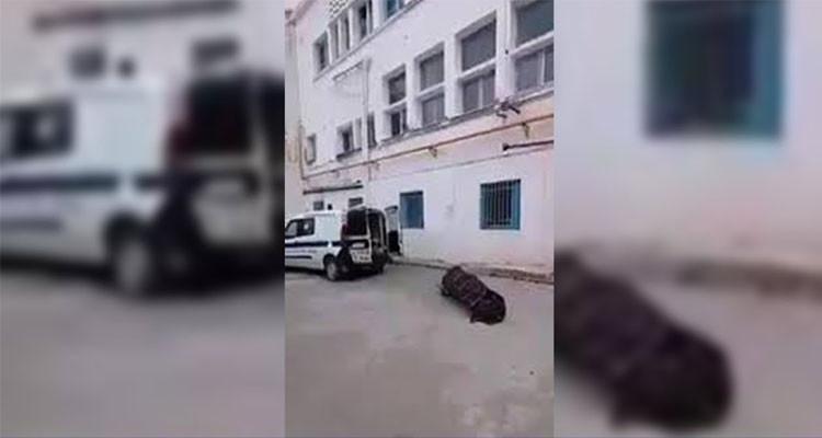 جثة أمام بيت الأموات في مستشفى عبد الرحمان مامي