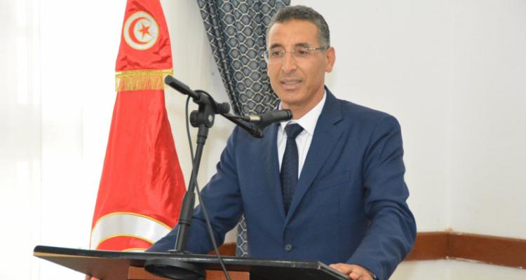 وزير الداخلية :''مستعدون لقبول أي تونسي مرحّل وفق الشروط القانونية''