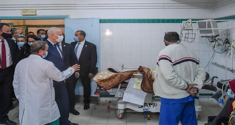 زيارة رئيس الجمهورية قيس سعيد لمصابي حادث منزل شاكر