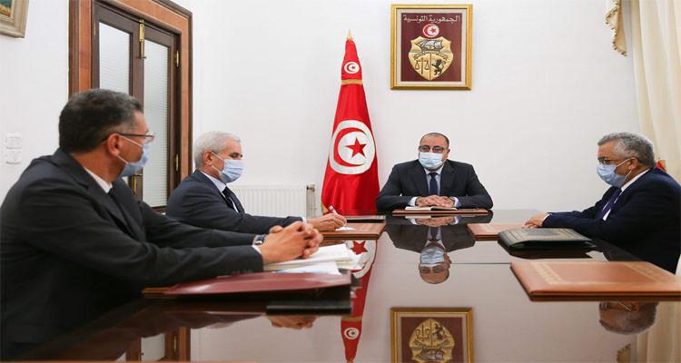 جلسة عمل برئاسة الحكومة