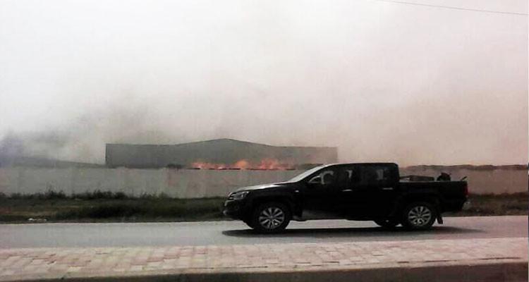 حريق هائل بمصنع للمناديل الورقية بالنفيضة