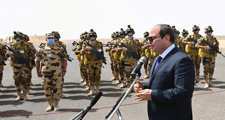 الرئيس المصري عبد الفتاح السيسي يلمح الى امكانية تدخل الجيش المصري في ليبيا