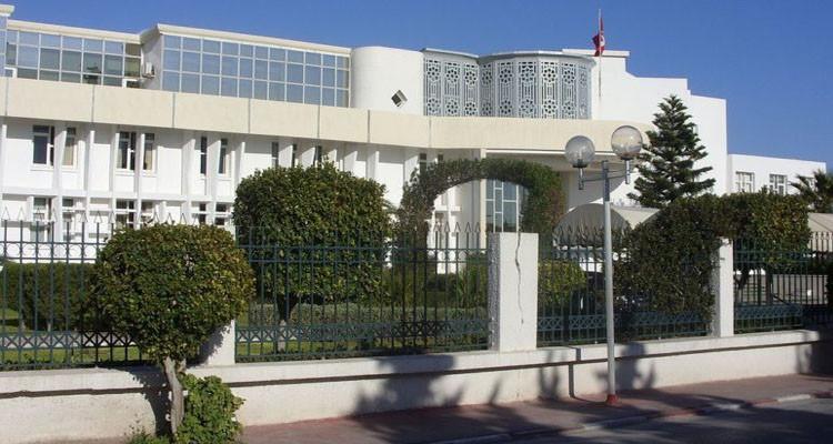 وزارة الرياضة تدعو الجامعات إلى مزيد الحذر والالتزام بالإجراءات