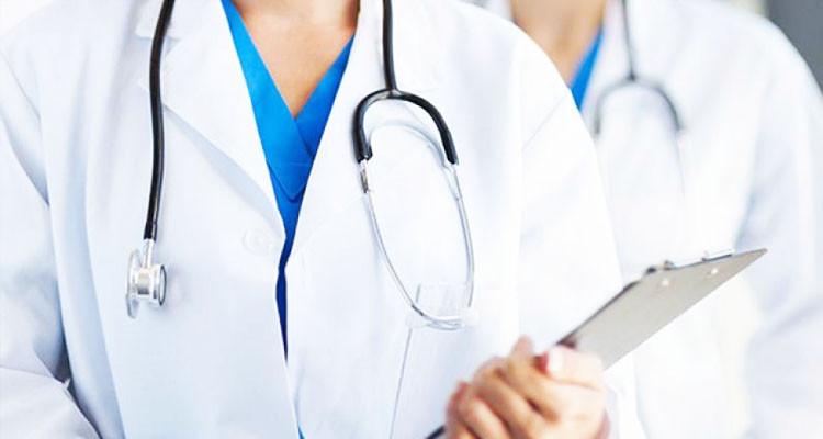 وزارة الصحة تؤكد ضرورة احترام جداول الاستمرار للأطباء المقيمين والداخليين