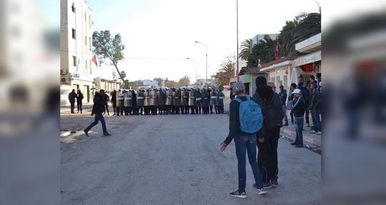 منوبة: إبقاء 13 شابا مشاركا في التحركات الليلية بطبربة بحالة سراح