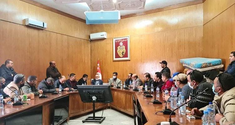 النقابة الموحدة لأعوان الديوانة التونسية تدخل في اعتصام مفتوح بالقصبة