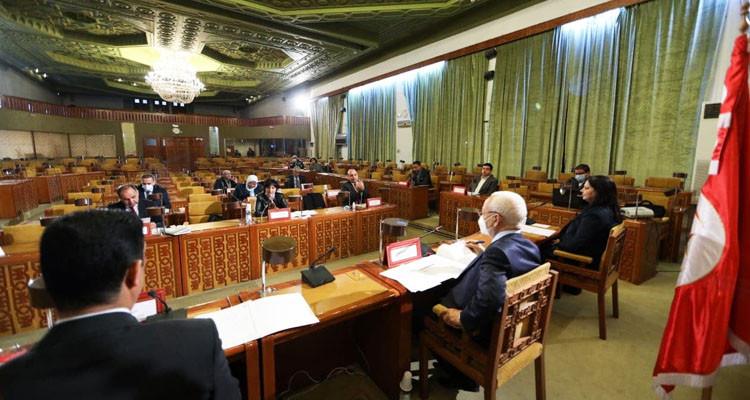 مخرجات اجتماع خلية الأزمة بالبرلمان