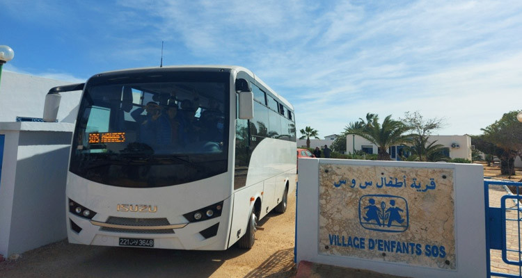 صفاقس: قرية أطفال SOS المحرس تتلقى حافلة هدية من سفارة اليابان بتونس