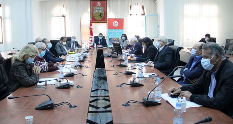 قرارات جديدة منتظرة في علاقة بانتشار كوفيد 19 في تونس