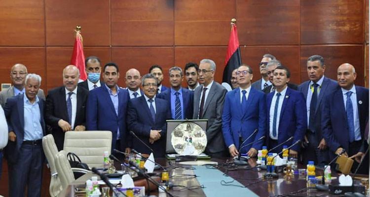 اتفاق تونسي مع وزارة الصناعة الليبية لإنجاز مناطق صناعية بليبيا