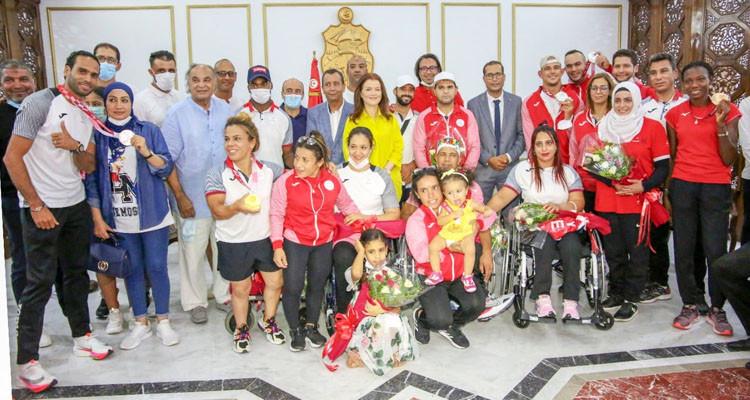 عودة دفعة أولى من الأبطال التونسيين بعد المشاركة في الألعاب البارالمبية
