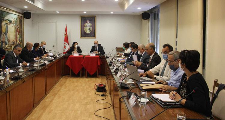 وزيرا الفلاحة والتجارة يتفقان على إصدار مقرر لتسعير هوامش ربح الأسمدة الكيميائية