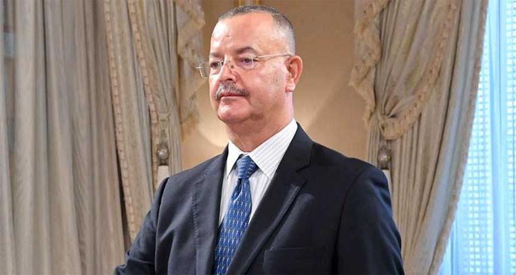 وزير الصحة يشرف على القافلة الصحية في الفحص
