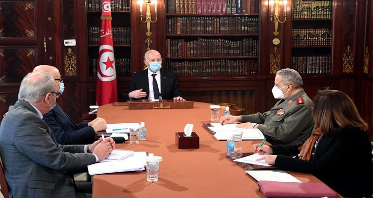 رئيس الدولة: لا بد من التسريع في استيراد لقاحات فيروس كورونا واختيار أنسبها