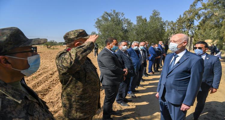 رئيس الجمهورية: لدي مشروع لربط شمال تونس بجنوبها عبر القطار السريع (تسجيل)