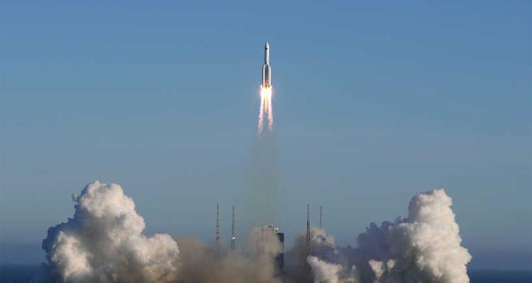 سقوط الصاروخ الصيني  فوق دولة عربية