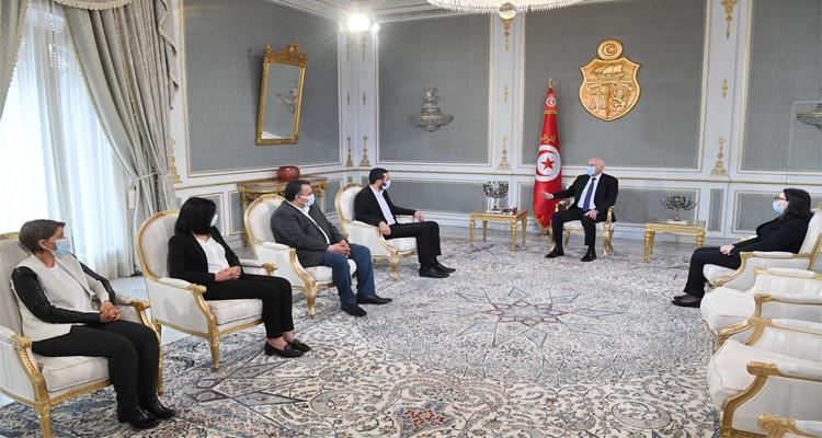 رئيس الدولة يستقبل وفدا عن نقابة الصحفيين