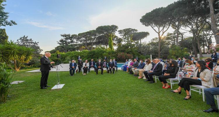 في ختام زيارته لإيطاليا: رئيس الدولة يلتقي عددا من أفراد الجالية التونسية