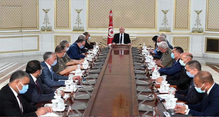 رئيس الدولة يعقد اجتماعا طارئا