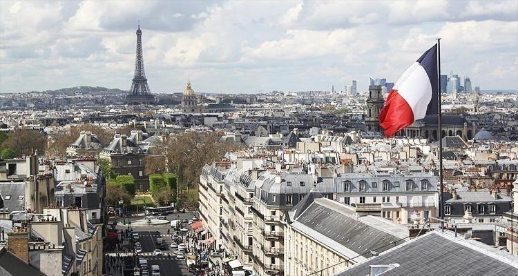 فرنسا تبقي على تونس ضمن قائمة الدول الحمراء