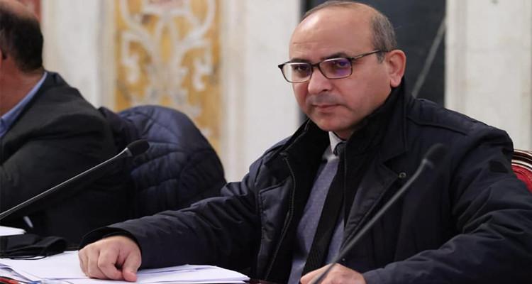 عبد اللطيف العلوي: ''أبيع الكتاب لأوفر قوت أسرتي وأقاوم الانقلاب''