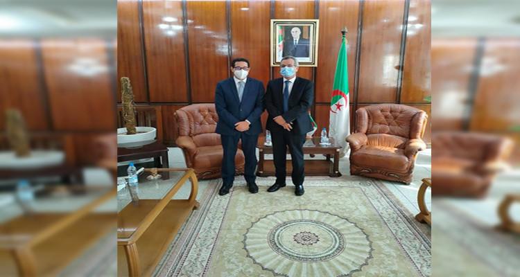 الاتفاق على تعزيز التعاون الصحي بين تونس والجزائر