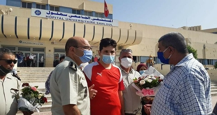 رامي إمام يغادر المستشفى