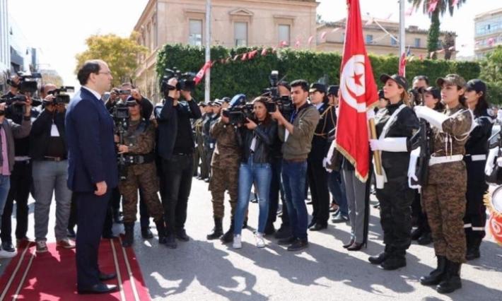 """رئيس الحكومة: """" المرأة التونسية هي فخر لكل التونسيين"""""""