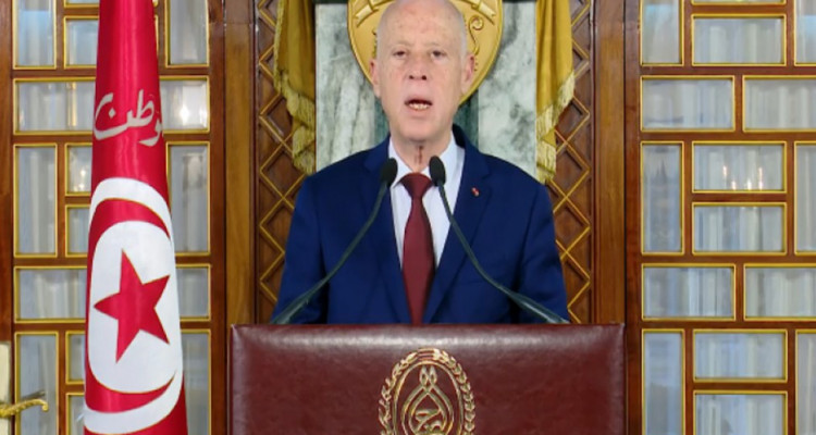 """قيس سعيّد:   """"ان الدولة التونسية لها رئيس واحد في الداخلوفي الخارج"""""""