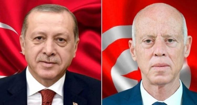 خلال تبادل تهاني العيد... سعيّد وأردوغان يتطرقان لجملة من القضايا الدولية