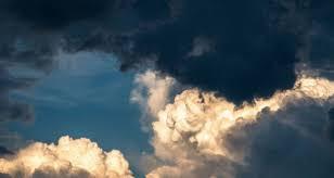 طقس اليوم الأحد : سحب عابرة و انخفاض في درجات الحرارة